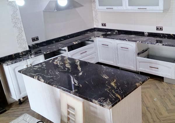Fabricaci n y colocaci n de encimeras en m rmol y piedra for Encimera imitacion marmol