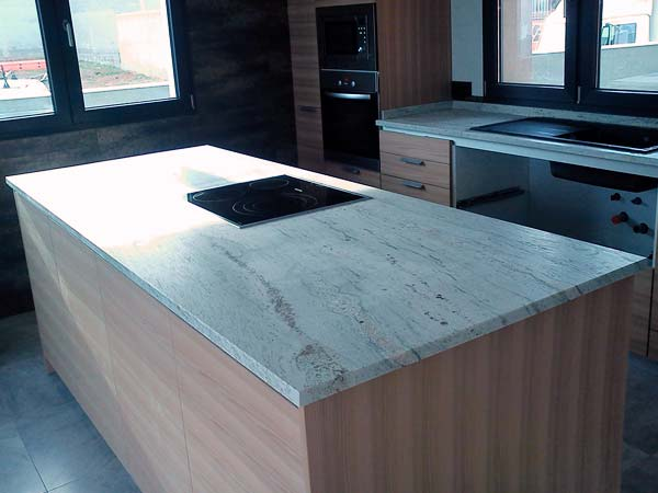 Fabricaci n y colocaci n de encimeras en m rmol y piedra for Encimeras de marmol