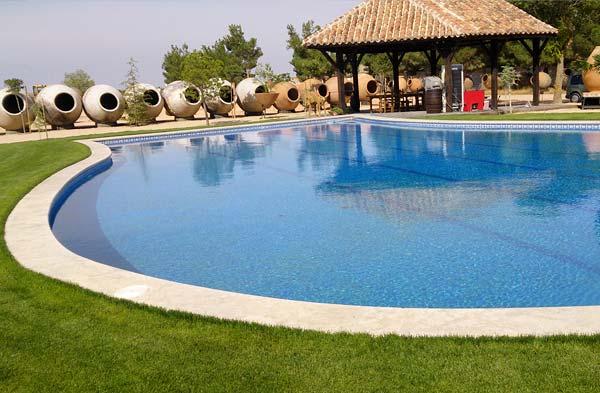 Construcci n y decoraci n en m rmol granito y piedra natural for Bordillo piscina